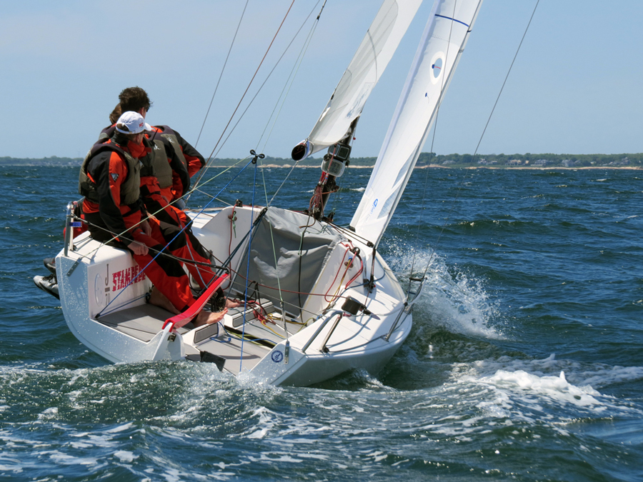 J70 upwind from astern