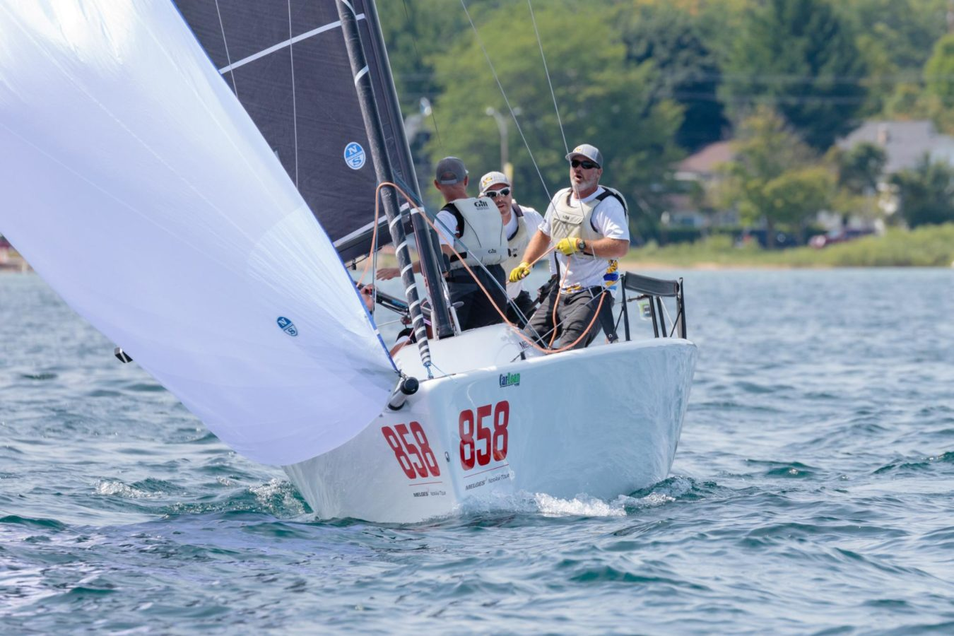 melges 24 sailing downwind
